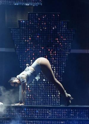 Jennifer Lopez: 2015 iHeartRadio Music Festival -22