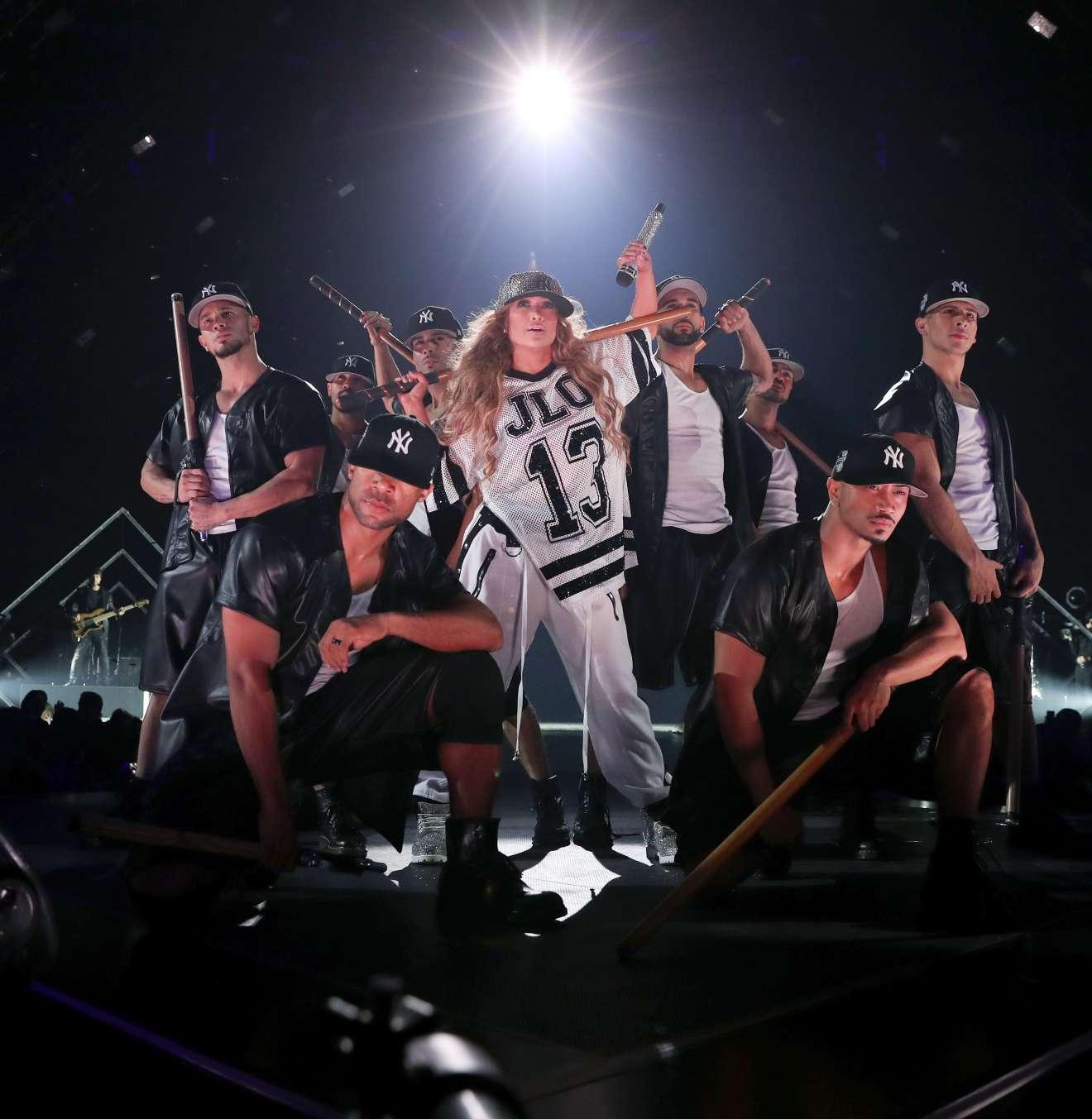 Jennifer Lopez 2018 : Jennifer Lopez: 2018 DIRECTV NOW Super Saturday Night Concert in Minneapolis-07
