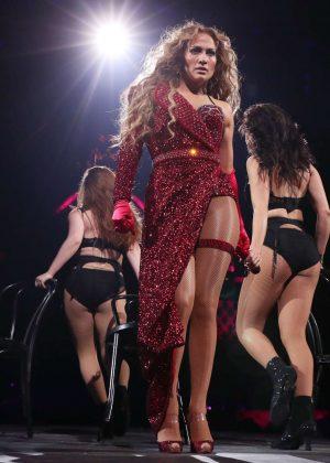 Jennifer Lopez - 2018 DIRECTV NOW Super Saturday Night Concert in Minneapolis
