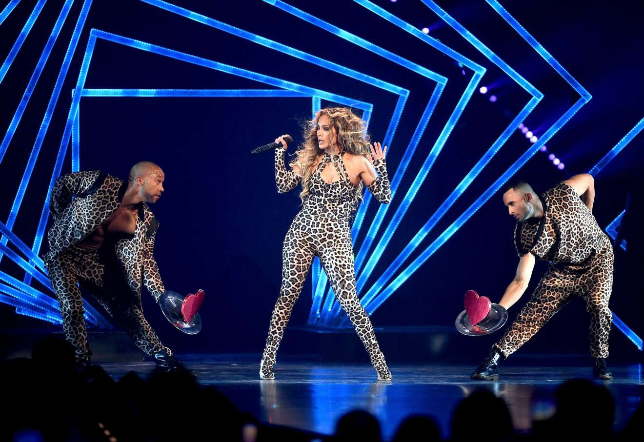 Jennifer Lopez 2018 : Jennifer Lopez: 2018 DIRECTV NOW Super Saturday Night Concert in Minneapolis-10