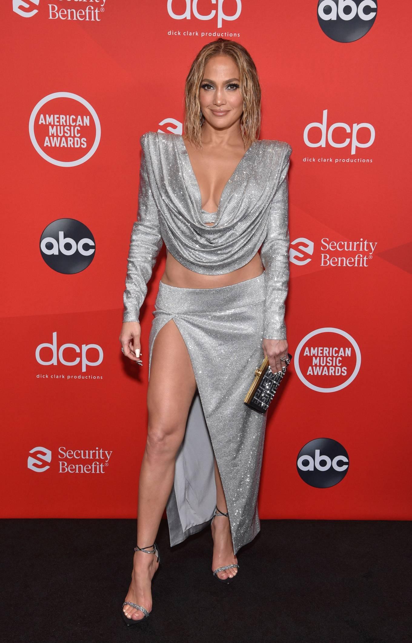 Jennifer Lopez - 2020 American Music Awards in Los Angeles