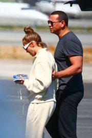 Jennifer Lopez and Alex Rodrigez - landing in LA
