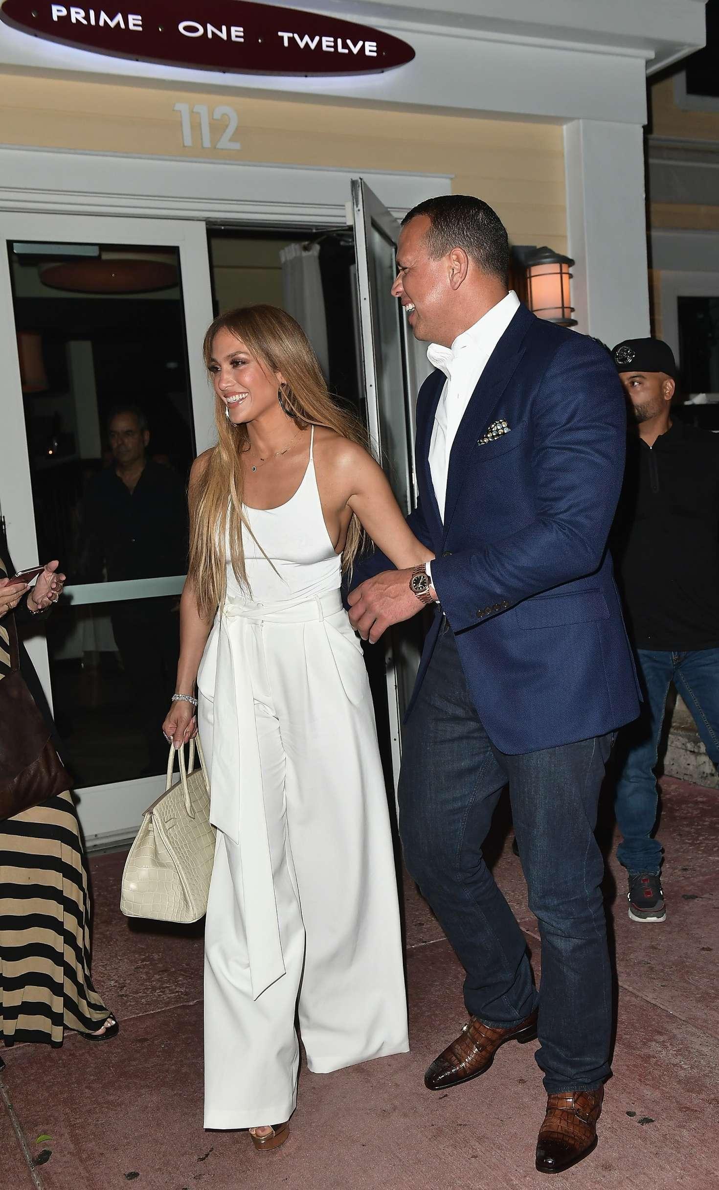 Jennifer Lopez 2017 : Jennifer Lopez and Alex Rodriguez at Prime 112 Restaurant -11