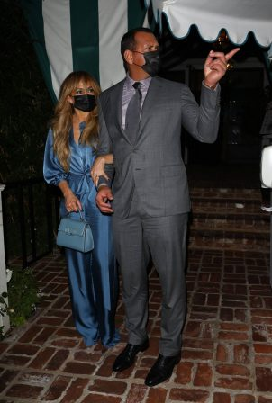 Jennifer Lopez and Alex Rodriguez - Dons classy for a dinner date at San Vicente Bungalows