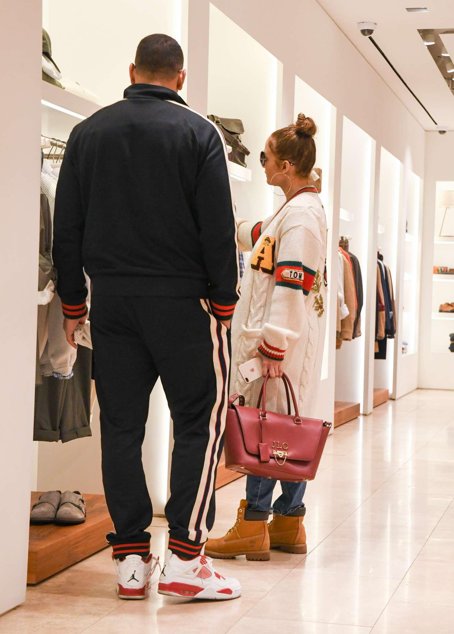 Jennifer Lopez 2017 : Jennifer Lopez and Alex Rodriguez Shopping in LA -10