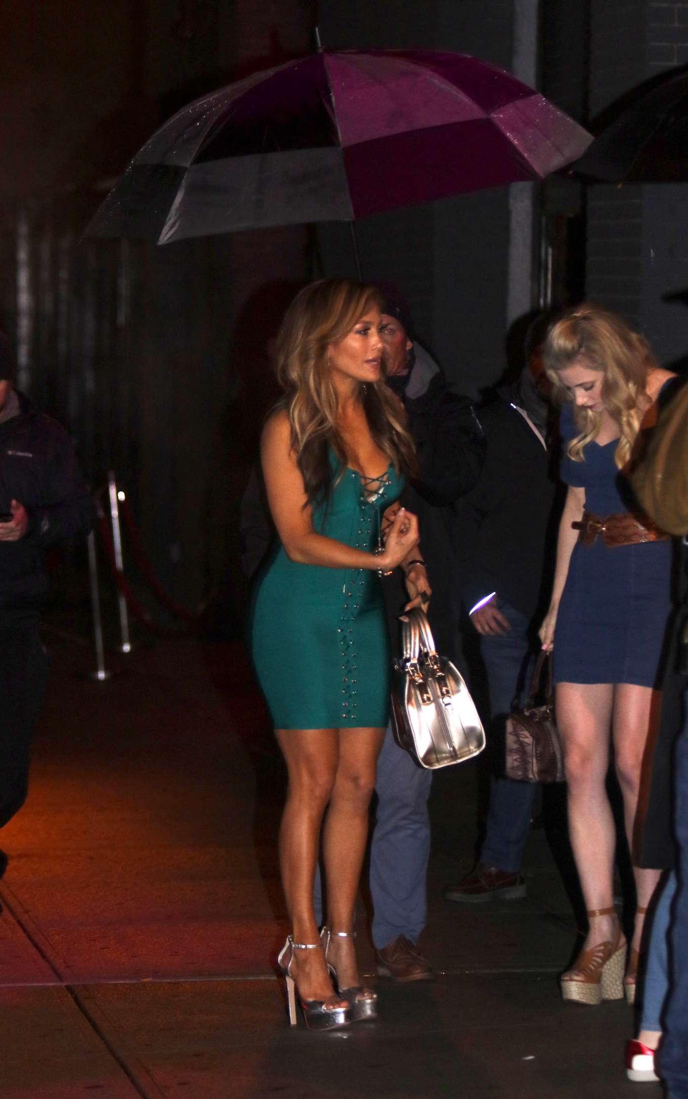 Jennifer Lopez 2019 : Jennifer Lopez and Lili Reinhart: On the set of Hustlers -03