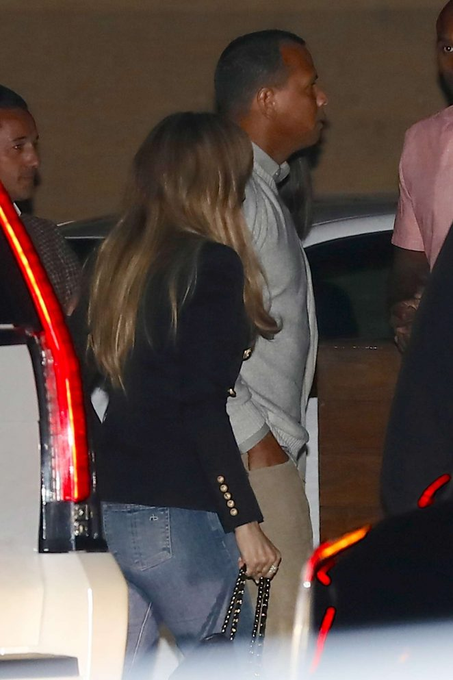 Jennifer Lopez Arrives at Nobu in Malibu