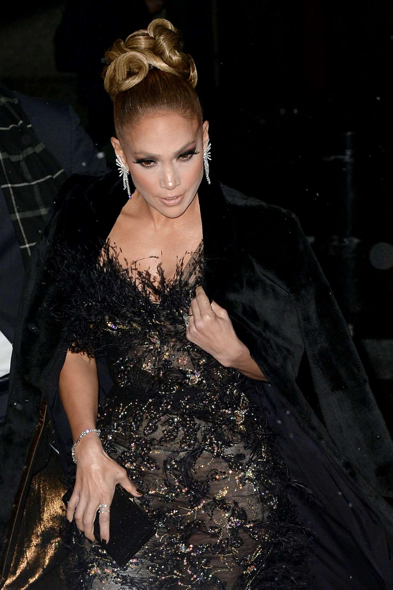 Jennifer Lopez 2019 : Jennifer Lopez – Arrives at the 29th Annual IFP Gotham Awards-10