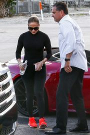 Jennifer Lopez - arrives at the gym in Miami Beach