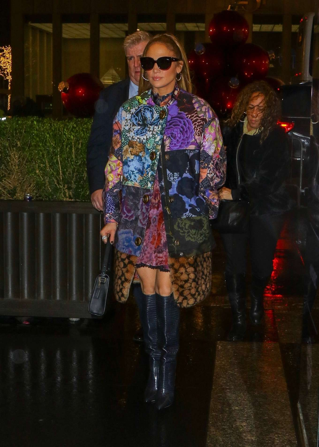 Jennifer Lopez 2019 : Jennifer Lopez – Arrives at The Tonight Show Starring Jimmy Fallon-05