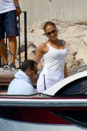 Jennifer Lopez - arrives in St. Tropez