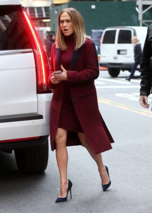 Jennifer Lopez - Arrives on set for 'Second Act' in New York City