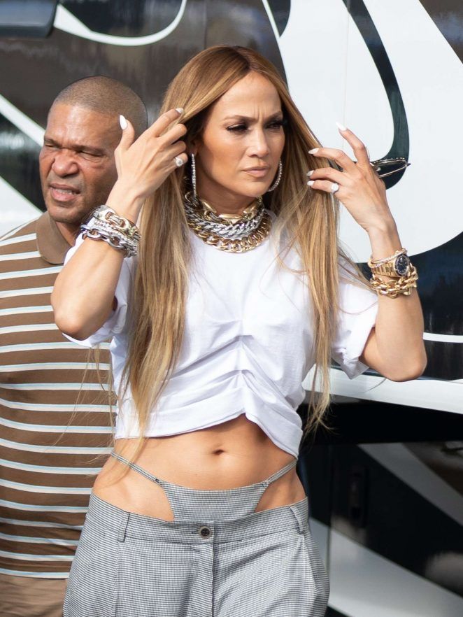 Jennifer Lopez - Arrives to shoot a video with DJ Khaled in Miami