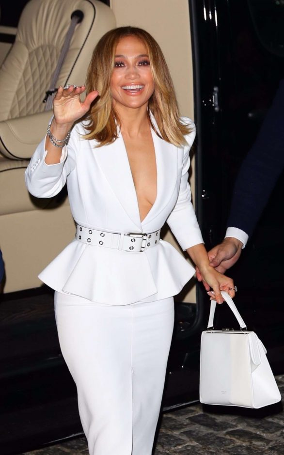 Jennifer Lopez - Arrives to Ultra Beauty for a perfume launch party in NY