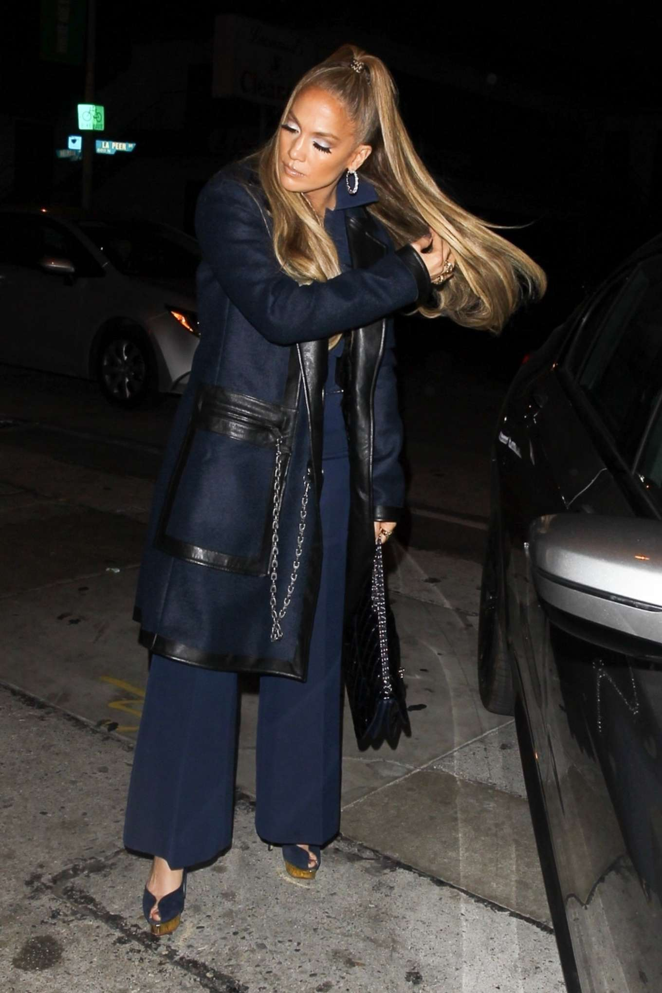Jennifer Lopez - Arriving at Craig's for a dinner date in West Hollywood