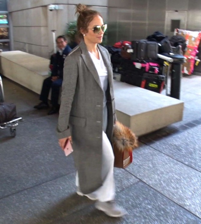 Jennifer Lopez - Arriving at LAX Airport in Los Angeles