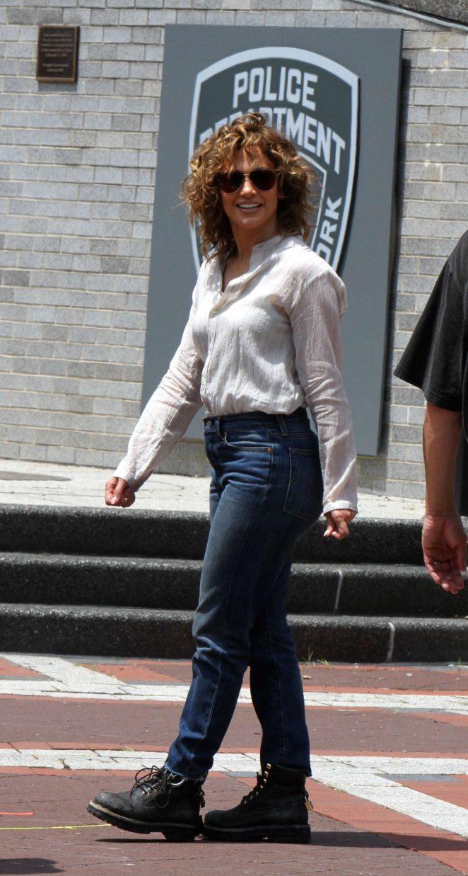 Jennifer Lopez 2017 : Jennifer Lopez at the Shades of Blue set -07