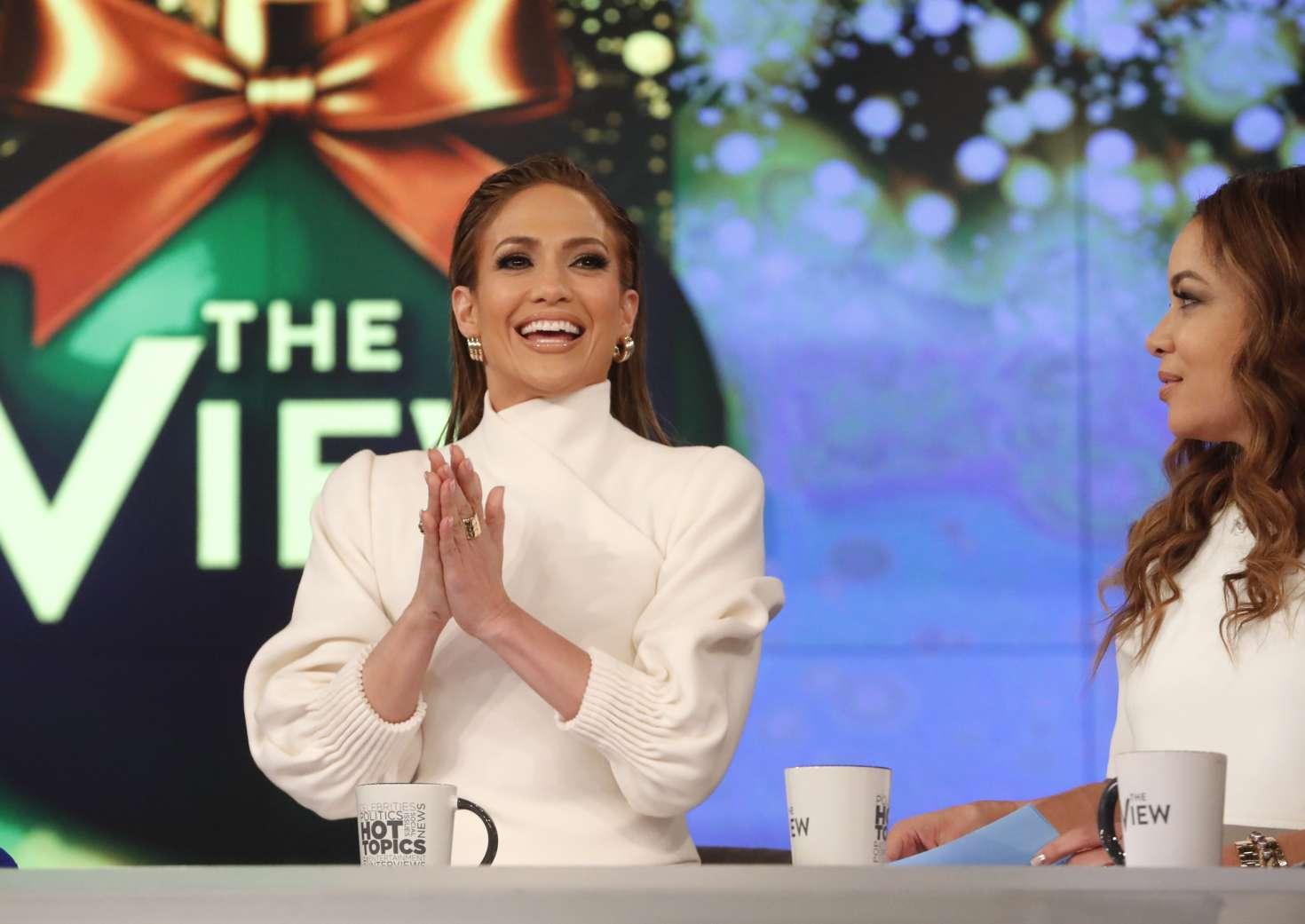 Jennifer Lopez 2018 : Jennifer Lopez at The View -01