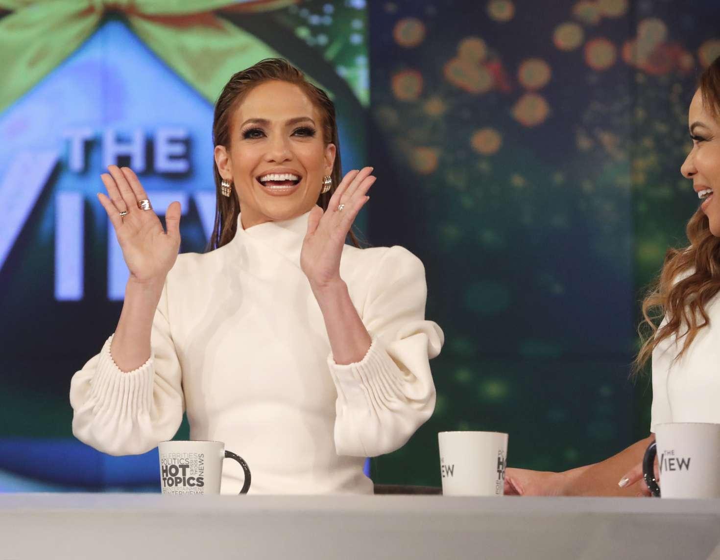 Jennifer Lopez 2018 : Jennifer Lopez at The View -03