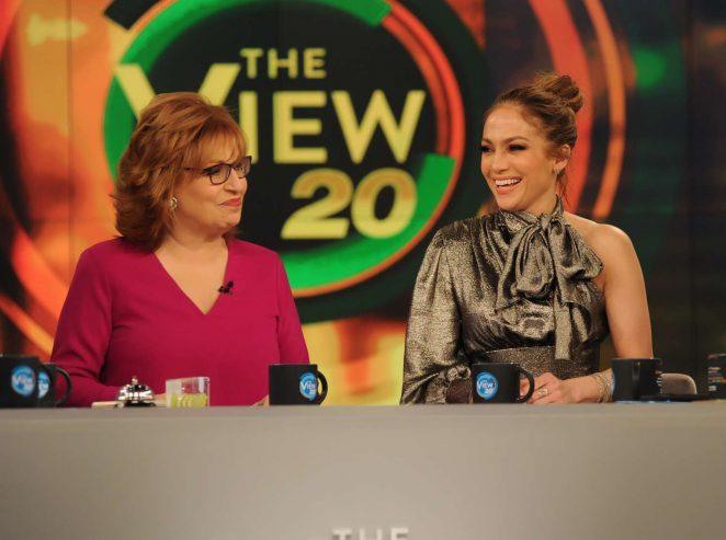 Jennifer Lopez 2017 : Jennifer Lopez at The View TV show -09