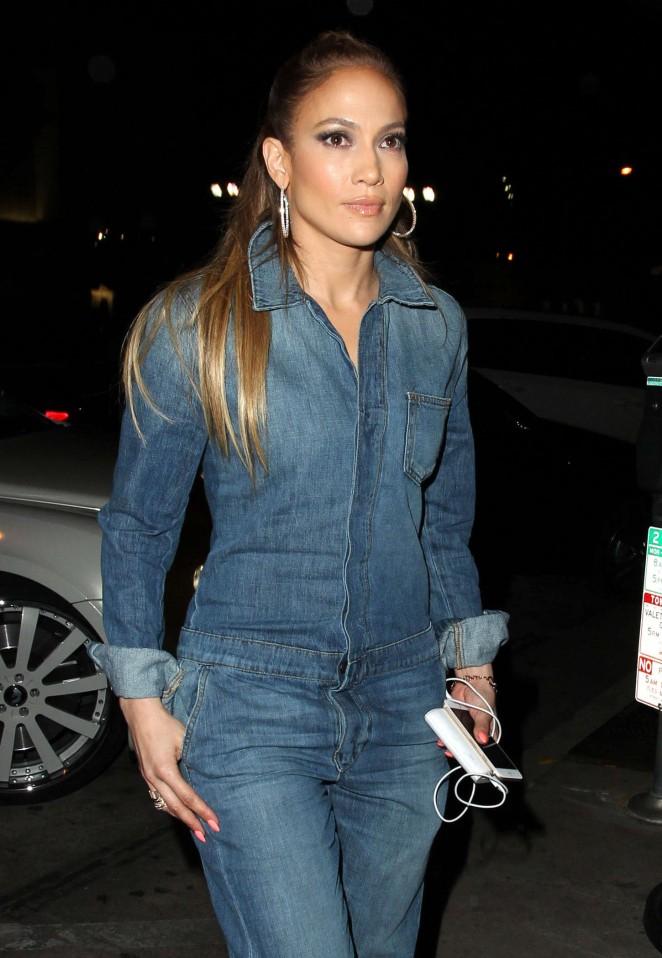 Jennifer Lopez – Craig's Restaurant in West Hollywood