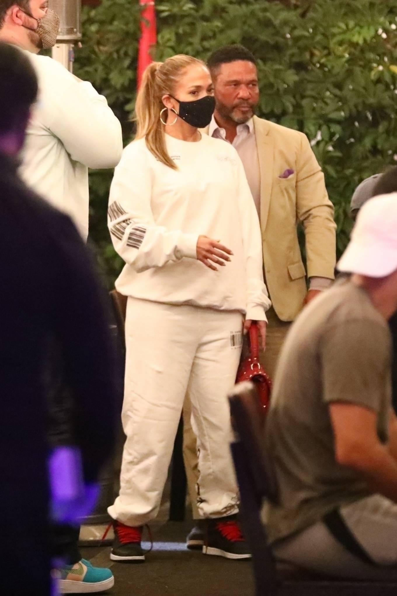 Jennifer Lopez 2020 : Jennifer Lopez – Exit after dinner at Matsuhisa in Beverly Hills-01