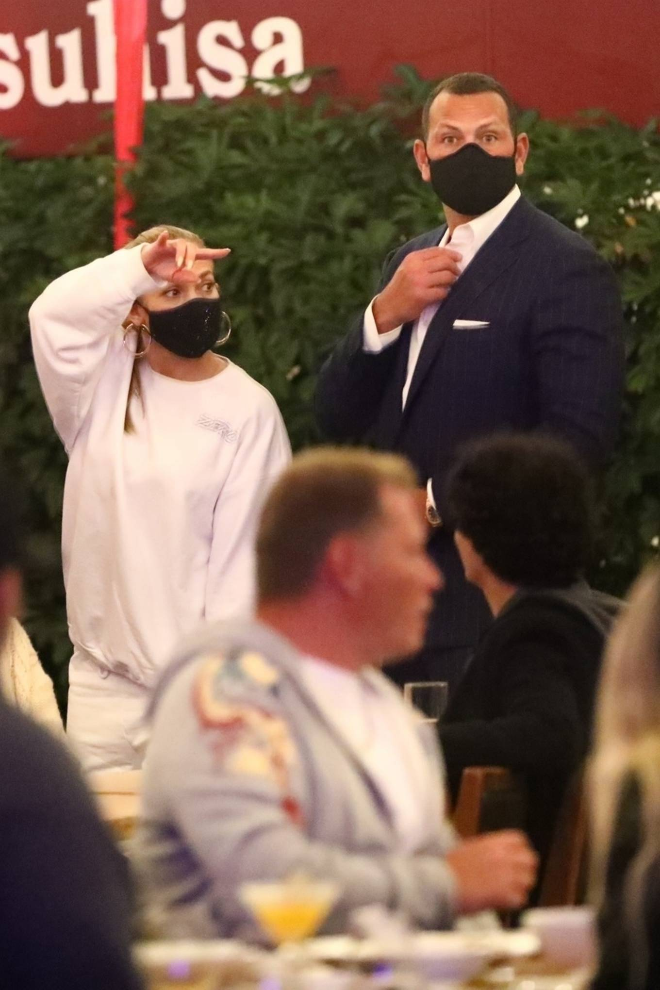 Jennifer Lopez 2020 : Jennifer Lopez – Exit after dinner at Matsuhisa in Beverly Hills-16