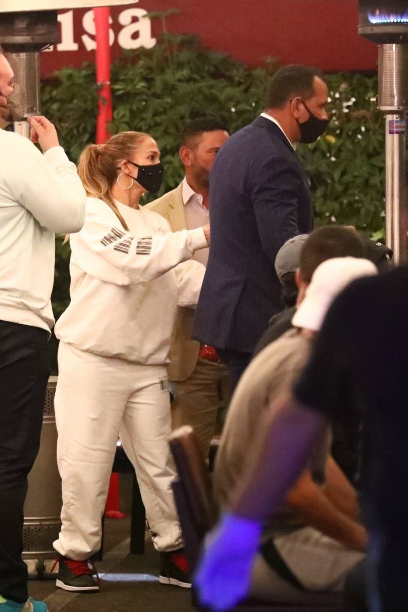 Jennifer Lopez 2020 : Jennifer Lopez – Exit after dinner at Matsuhisa in Beverly Hills-17