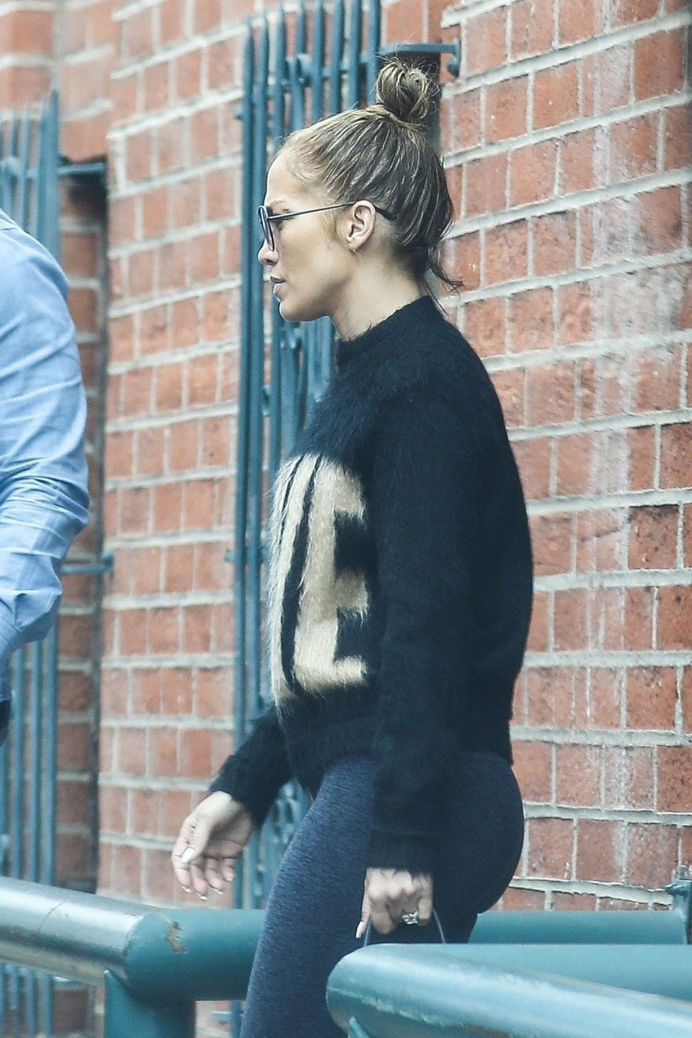 Jennifer Lopez 2019 : Jennifer Lopez: Exiting a medical building in Beverly Hills-10