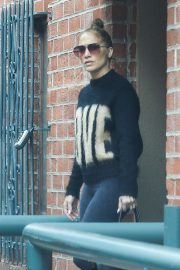 Jennifer Lopez - Exiting a medical building in Beverly Hills