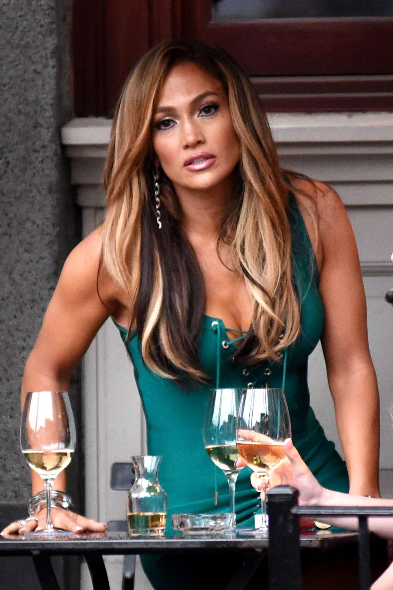 Jennifer Lopez - Filming 'Hustlers' in New York