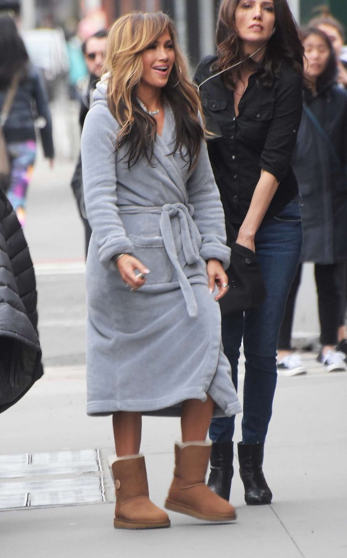Jennifer Lopez: Filming Hustlers in NYC -02 – GotCeleb