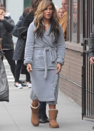Jennifer Lopez - Filming 'Hustlers' in NYC