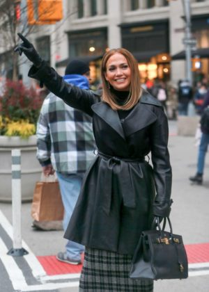 Jennifer Lopez - Filming 'Second Act' in NYC