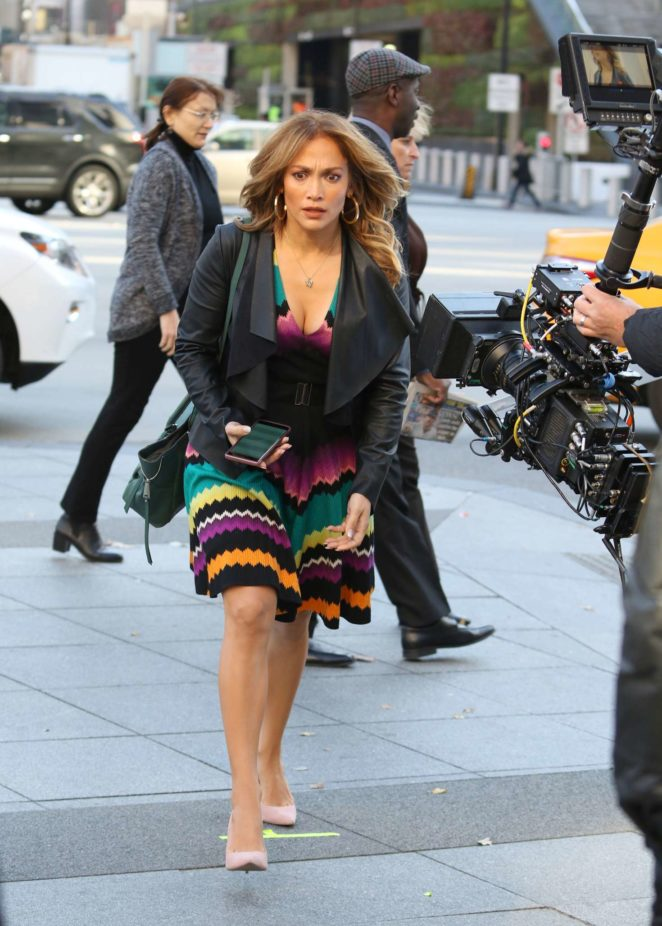 Jennifer Lopez: Filming Second Act Set -01