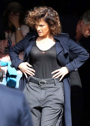 Jennifer Lopez - Filming 'Shades Of Blue' in Brooklyn