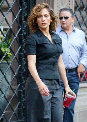 Jennifer Lopez - Filming 'Shades of Blue' in New York City