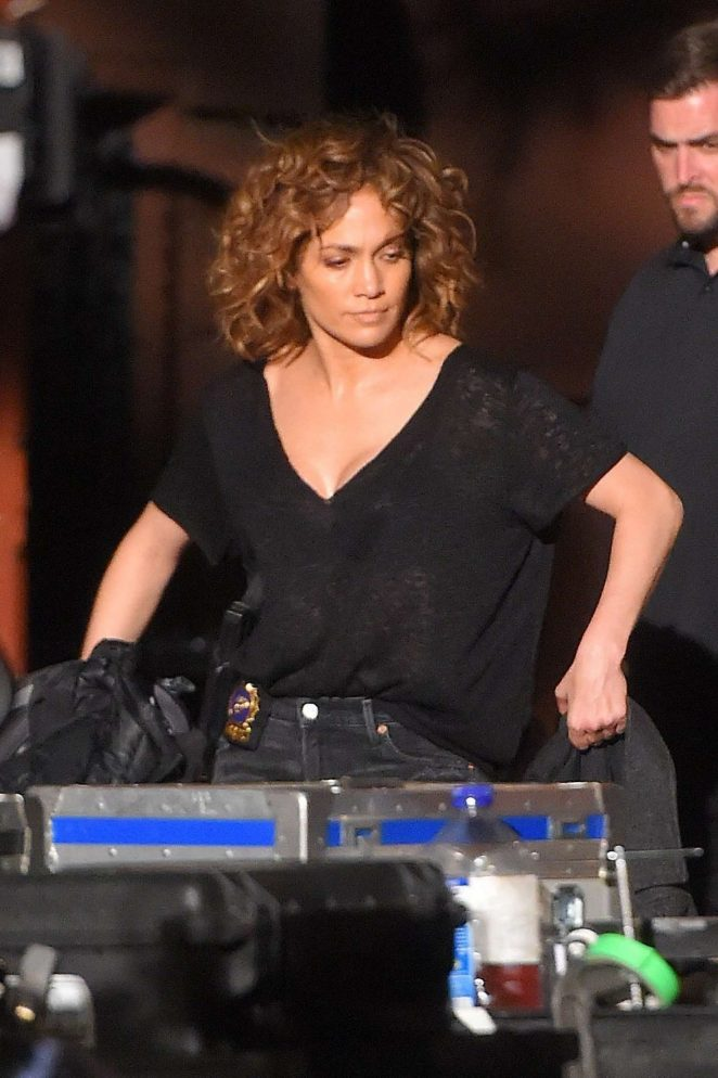 Jennifer Lopez - Filming 'Shades of Blue' in New York