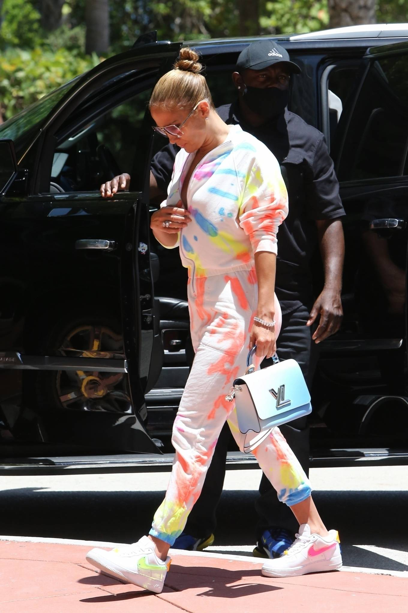 Jennifer Lopez 2021 : Jennifer Lopez – goes out for a bite with her kids Emme and Max in Miami-03