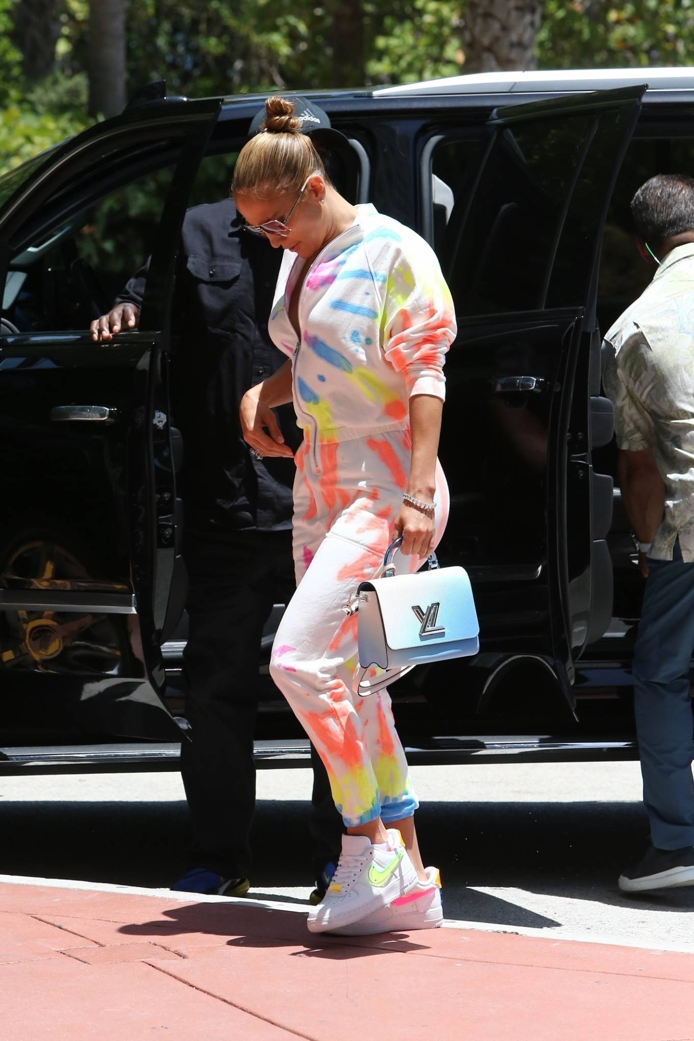 Jennifer Lopez 2021 : Jennifer Lopez – goes out for a bite with her kids Emme and Max in Miami-05