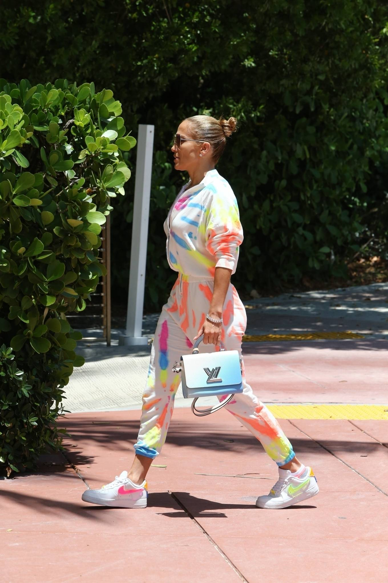 Jennifer Lopez 2021 : Jennifer Lopez – goes out for a bite with her kids Emme and Max in Miami-12