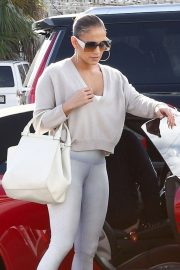 Jennifer Lopez - Heading to a gym in Miami