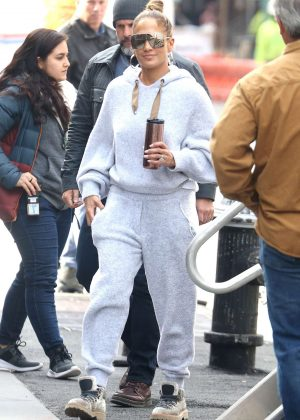 Jennifer Lopez - Heads on the set of 'Hustlers' in NYC