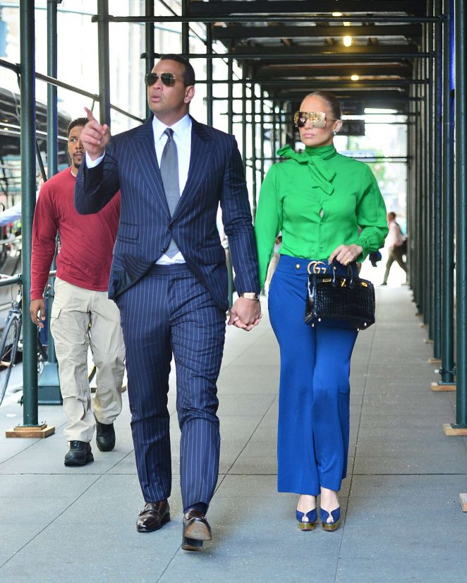Jennifer Lopez – Heads out for a meeting in New York