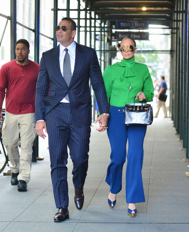 Jennifer Lopez 2018 : Jennifer Lopez: Heads out for a meeting in New York -06