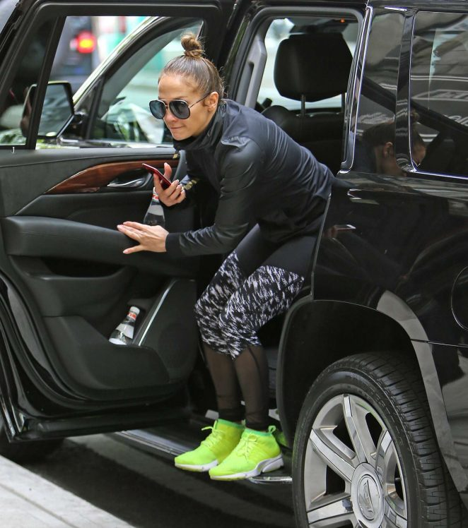 Jennifer Lopez: Heads to the gym -05