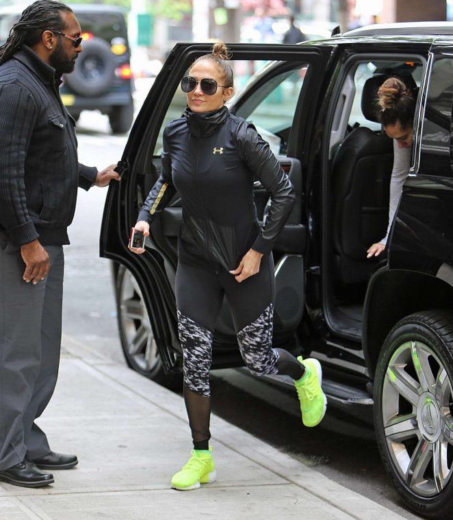 Jennifer Lopez: Heads to the gym -09