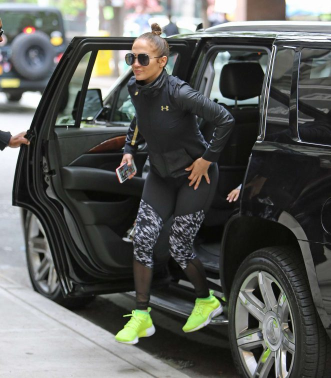 Jennifer Lopez: Heads to the gym -14