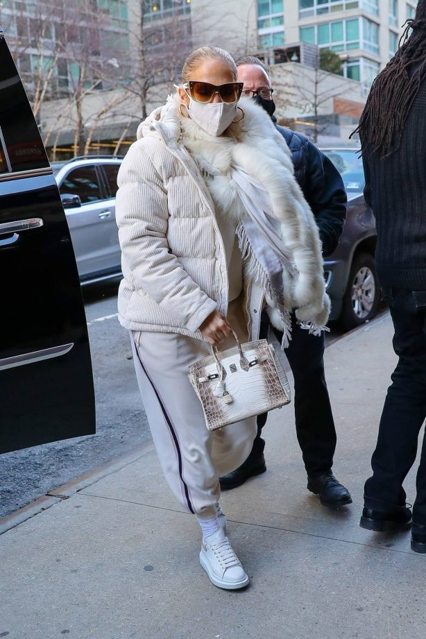 Jennifer Lopez - Heads to the studio for her New Year's Eve performance rehearsal in NY