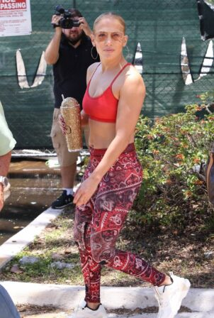 Jennifer Lopez - Hits the gym in Miami